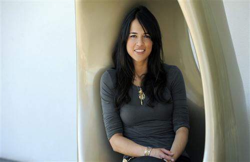American Actress Michelle Rodriguez Wallpaper