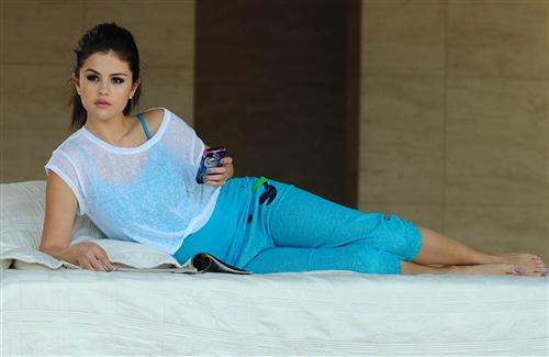 Beautiful Selena Gomez American Singer Celebrity HD Wallpapers