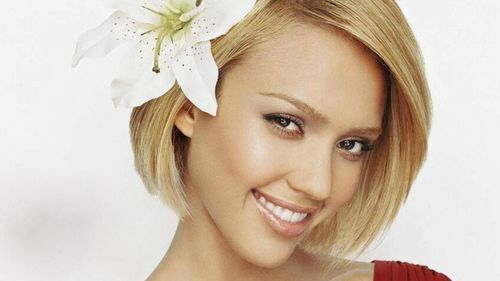 Nice and Fair Look of Jessica Alba Wallpaper