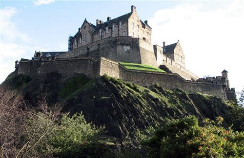 Beautiful on High Hill Edinburgh Castle Wallpapers
