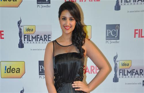Actress Parineeti Chopra Smile Wallpaper