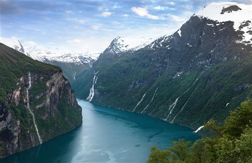 Geiranger River in Norway HD Nature Wallpaper