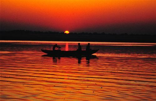 Indian Big River Ganges During Sunset HD Wallpapers