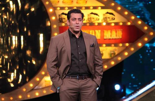 Salman Khan on Big Boss Set HD Wallpaper