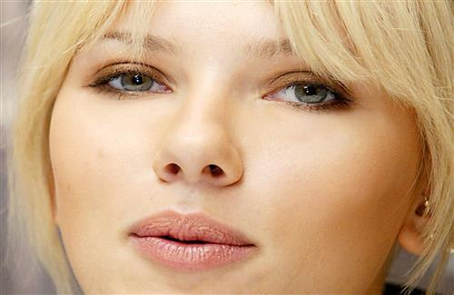 Beautyful Hollywood Girls Scarlett Johansson Wallpapers Download