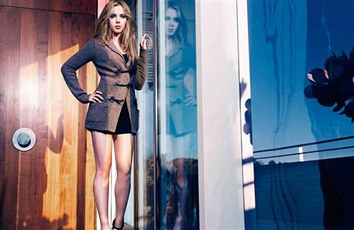 Scarlett Johansson in Mango Fall 2010 Wallpaper