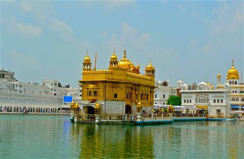 Beautiful Golden Temple in Amritsar Punjab Photo