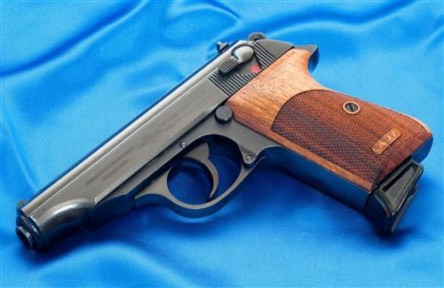 Killer gun hd pc images free download hd wallpapers - Wallpapers guns free download ...