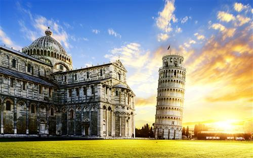 Leaning Tower of Pisa in Italy Desktop Wallpapers