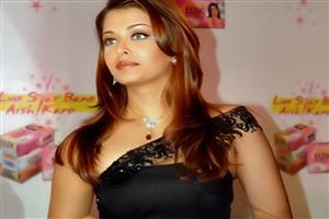 Beautiful Aish in Black Saree