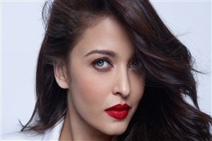Beautiful Look of Aishwarya Rai in Red Lips