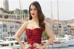 Nice Look of Aishwarya Rai in Red Dress Photo