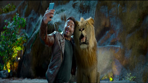 Ajay Devgan Take Selfie with Lion Funny Image