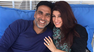Beautiful Film Star Akshay Kumar with Her Spouse Twinkle Khanna 5K Wallpaper