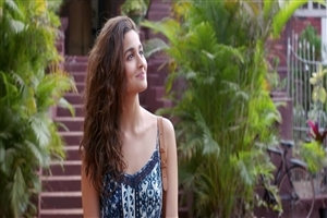 Actress Alia Bhatt Dear Zindagi Film HD Wallpapers