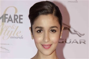 Bollywood Actress Alia Bhatt HD Wallpapers Background