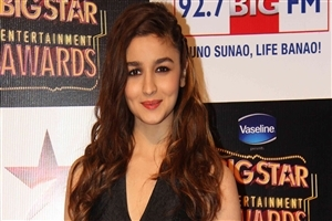 Cute Actress Alia Bhatt in Red Lips HD Wallpapers