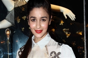 Cute Alia Bhatt with Red Lipstick HD Wallpapers