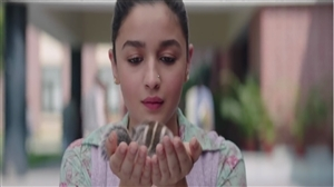 Cute Alia Bhatt with Squirrel in Film Raazi
