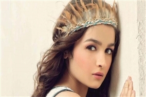 Indian Bollywood Celebrity Actress Alia Bhatt HD Wallpapers