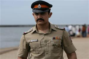 Aamir Khan Police Officer in Talaash