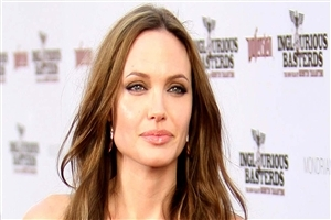 Actress Angelina Jolie HD Wallpaper