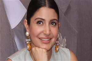 Anushka Sharma Face CloseUp Images