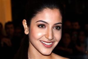 Anushka Sharma with cute smile