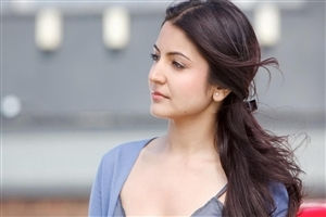 Cute HD Pic of Anushka Sharma