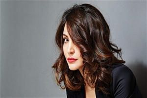 Nice Hair Style of Anushka Sharma in Red Lips