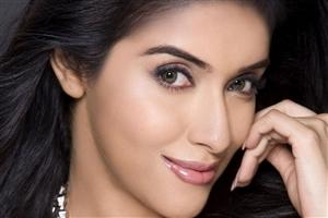 Actress Asin Thottumkal Cute Face Photo