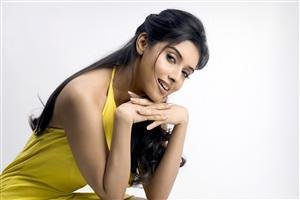 Asin Thottumkal in Yellow Dress