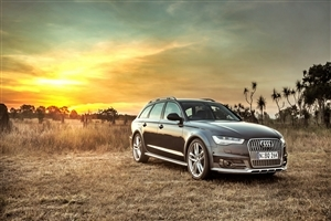Audi SUV Car Photo Background