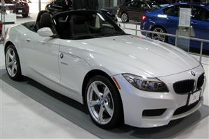 Beautiful White BMW Z4 Car Wallpapers Download