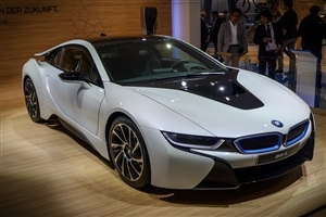 Latest New Crystal White BMW i8 Luxury Two Seater Car Wallpaper