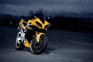 Super Yellow Yamaha Sport Bike Wallpaper