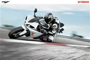 Yamaha R1 White Bike