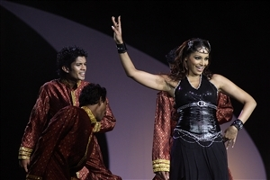 Bipasha Basu in Dancing Photo