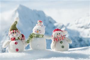 Snowy Toys Gift on Christmas Holiday HD Wallpaper