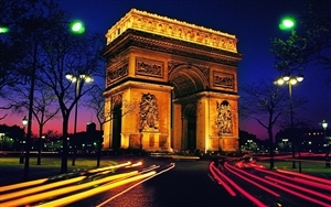 Arc de Triomphe at Night Tourist Place in Paris France Wallpaper