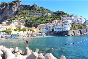 Beautiful Amalfi Coast Tourist Attraction in Italy Country 5K Wallpapers
