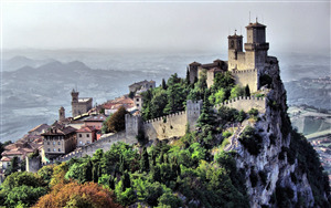 Guaita Beautiful Tourist Attraction in San Marino Country 4K Wallpaper