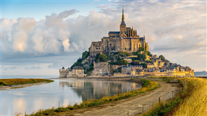 Le Mont Saint Michel Famous Tourist Attraction in France 4K Wallpaper