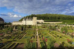Loire Valley Tourism Holidays Place in France