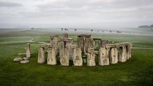 Stonehenge Tourist Point in England Country HD Photo
