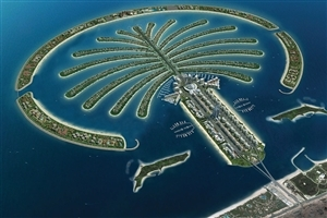 Tourist Attraction Palm Jumeirah in Dubai
