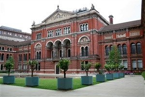 Victoria and Albert Museum in London UK Tourist Place HD Wallpapers