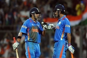 Mahendra Singh Dhoni and Gautam Gambhir in World Cup Final Match Cricket Wallpapers