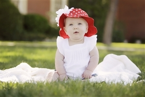 Beautiful Cute Baby Girl HD Wallpapers