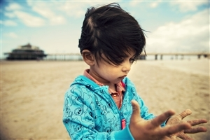 Cute Baby Girl Playing at Beach HD Wallpapers